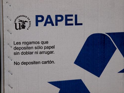Papel reciclado reciclar papel en la universidad de sevilla for Papel oficina